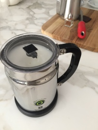 ELECTRIC FROTHER